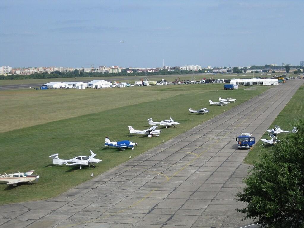 Lotnisko na Bemowie - samoloty